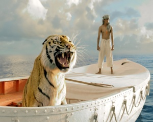Life of Pi (foto diunduh dari http://www.hdfreewallpapers.com)